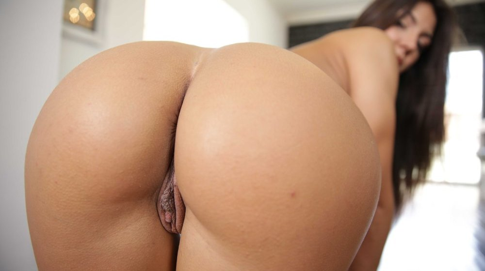 Airerose isabella de santos shows off her pure bush 3