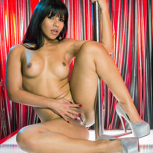 Airerose jade hooks up with a guy from the internet 7